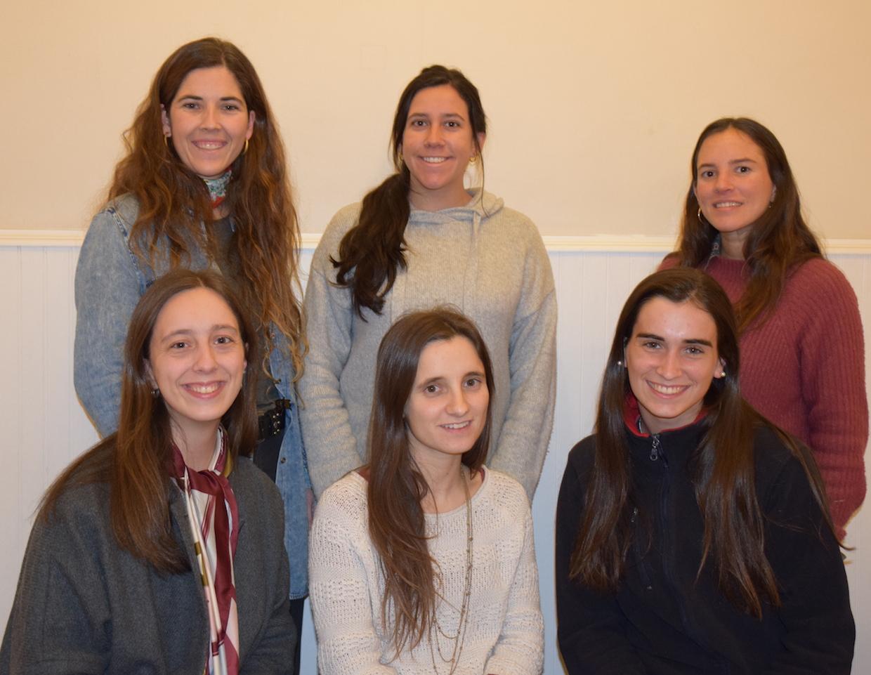 De izquierda a derecha: Carmen Gloria Concha (Profesora encargada), Isabel Izquierdo, Blanca Allard, María Jesús Rodríguez, Valentina Parot, Cecilia Barros (Presidenta).